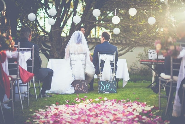 Quarantined? How can you make the most out of this time to plan your wedding?